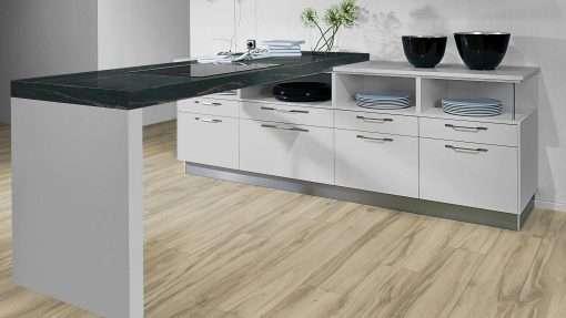 Cocina con suelo laminado Kaindl Roble Tortona 37663 (17)
