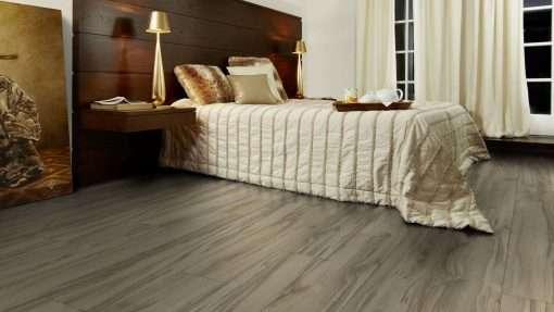 Dormitorio con suelo laminado Kaindl Roble Tortona 37663 (10)