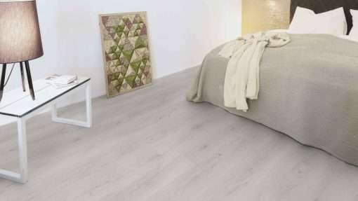 Dormitorio con suelo laminado Kaindl Roble Trillo 35953 (3)
