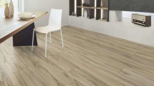 Salon con suelo laminado Kaindl Roble Tortona 37663 (19)