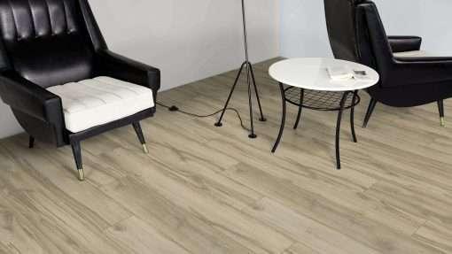 Salon con suelo laminado Kaindl Roble Tortona 37663 (20)