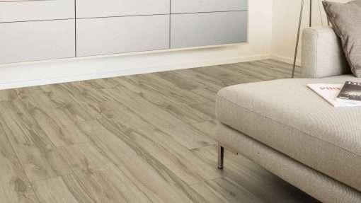 Salon con suelo laminado Kaindl Roble Tortona 37663 (6)