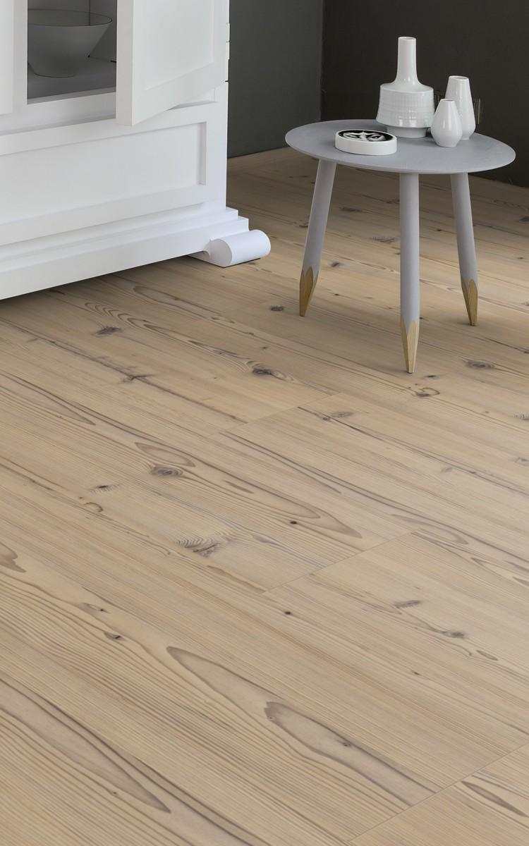 Tarima flotante kaindl pino antiguo k4347 suelo laminado for Suelos laminados adhesivos