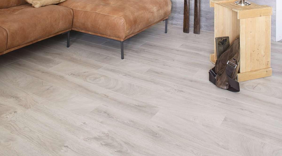 Tipos de suelos tarima flotante suelo laminado parquet for Suelos laminados adhesivos